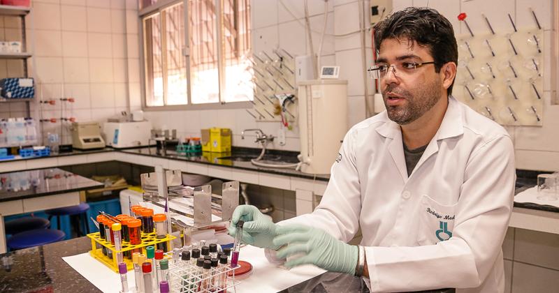 A USP utiliza a infraestrutura do LabDINAMO para preparação de amostras, realização de pesquisas e até aulas em programas especiais, como o I Curso Prático de Diagnóstico Molecular para Malária, realizado de 10 a 19 de agosto de 2018, pelo ICB - Foto: Cecília Bastos/USP Imagens