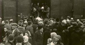 Coleção Vozes do Holocausto tem mais dois volumes publicados