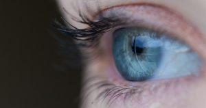 Caucasianos têm maior tendência à perda da visão central