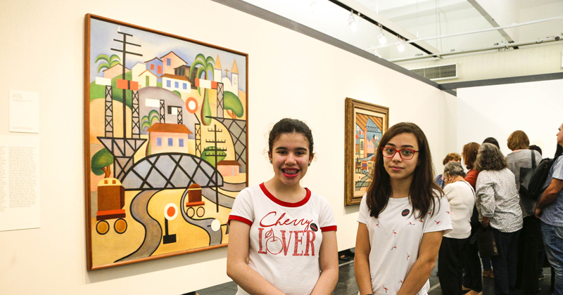 Poliana Leal Nunes e Carolina Moura dos Santos. Exposição Tarsina Popular. Museu de Arte de São Paulo (MASP). 2019/06/28 Foto: Marcos Santos/USP Imagens