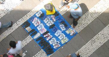 O estudo divide a desigualdade nos anos recentes em quatro fases. A última, que começa em 2016, é marcada pelo crescimento do mercado informal - Foto: Marcos Santos/USP Imagens