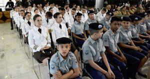 Projeto de escola cívico-militar traz dúvidas sobre ação pedagógica