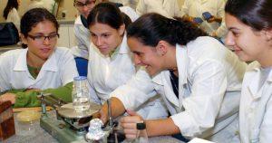 Instituto Oceanográfico incentiva a participação de mulheres na ciência