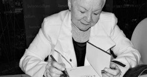 Escritora Bernadette Lyra fala sobre personagens femininas em sua obra