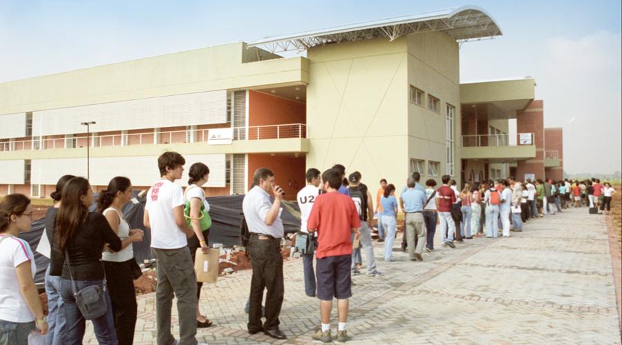 Primeira matrícula no novo campus da USP - Foto: Francisco Emolo/USP Imagens