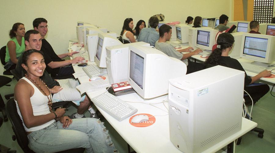 Primeiros alunos da EACH - Foto: Osvaldo José dos Santos/USP Imagens