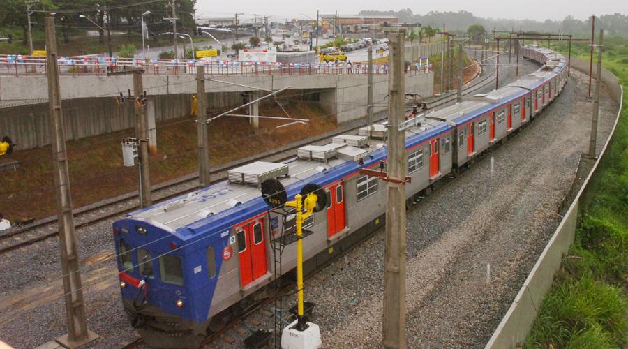 Trem da Estação USP Leste - Foto: Cecília Bastos/USP Imagens