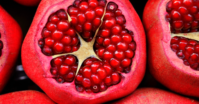 A casca da romã possui muitos compostos antioxidantes. Essa característica foi essencial para o desenvolvimento do revestimento alimentar. Crédito: Pixabay