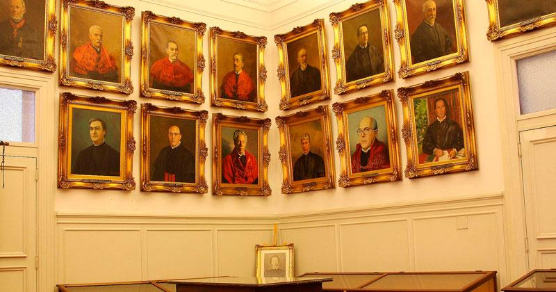 Quadros masculinos na Faculdade de Direito – Foto: USP Imagens