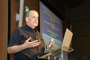 Palestra de ganhador de Prêmio Nobel inspira jovens cientistas