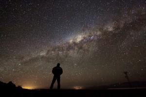 Astrônomos brasileiros mapeiam estrutura de idades do halo da Via Láctea