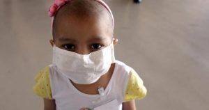 Pais e crianças não devem temer diagnóstico de câncer infantil
