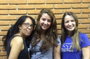 As alunas de Pedagogia Rosangela de Souza, Alana Araújo e Nayara Rodrigues | Foto: Divulgação