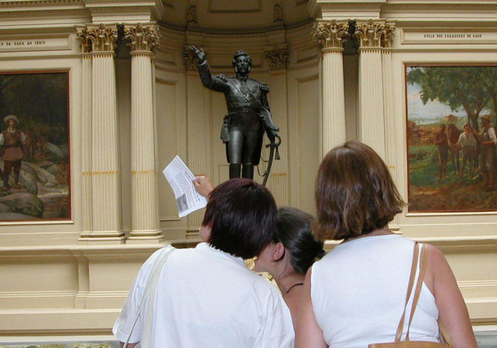 Visitantes no Museu Paulista - Foto: Cecília Bastos / USP Imagens