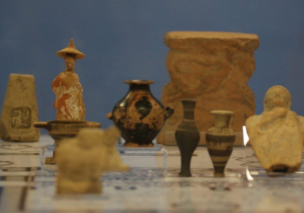 Objetos integrantes da exposição Polis: viver na cidade grega antiga - Foto: Cecília Bastos / USP Imagens