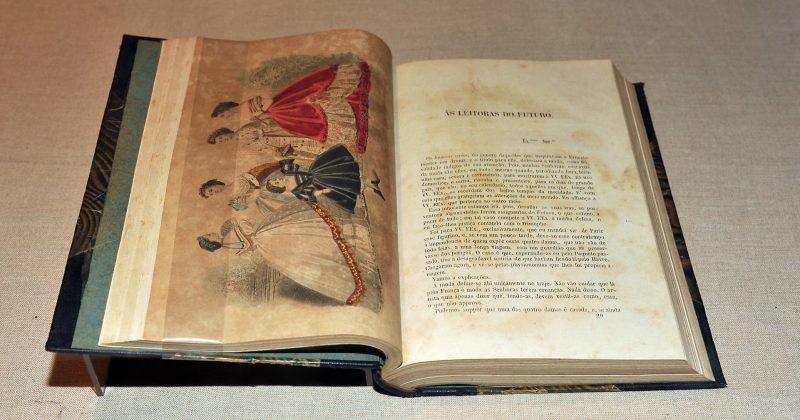 """""""O Futuro"""", periódico literário (1862-63) - Foto: Jorge Maruta/USP Imagens"""
