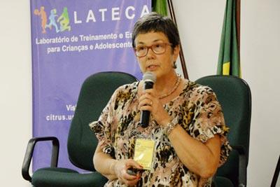 A professora Maria Tereza Silveira Böhme no II Simpósio Internacional Sobre Políticas para o Esporte de Alto Rendimento - Foto: Divulgação