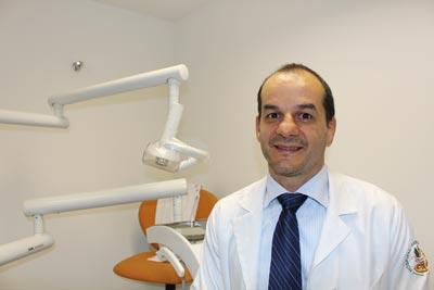 Marcos Curi, dentista formado pela FOB | Foto: Aline Naoe