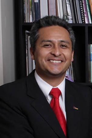 Para Ernesto, o Instituto de Ciências Matemáticas e de Computação da USP é o ponto inicial de toda a mudança que aconteceu na área de computação no Peru